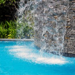 3 Benefits of Remodeling Your Pool